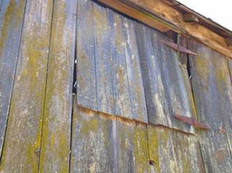 Photo of old barn siding in Anderson Valley, CA, by Linda A. Levy